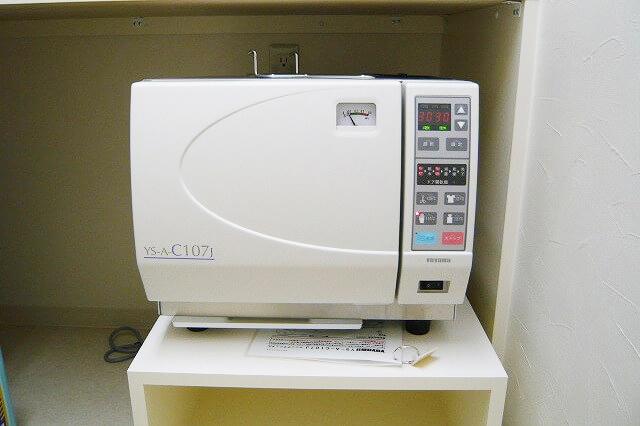 オートクレーブ(135℃高圧蒸気滅菌器)